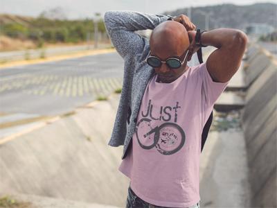 Just GO: Men's Crew Neck T-Shirt in Pink #mensclothing #realmenwearpink #wanderlust